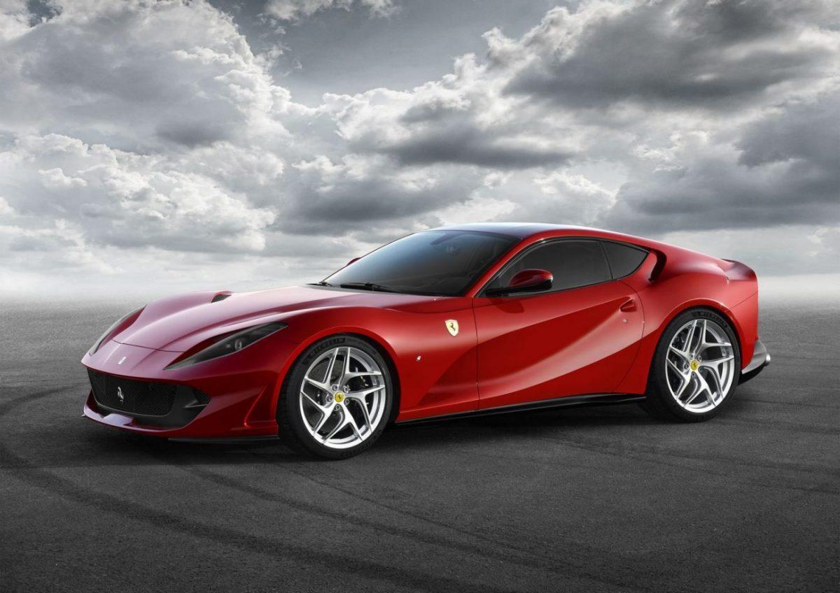Esta é a nova Ferrari 812 Superfast