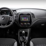 Renault-Captur-2018-35