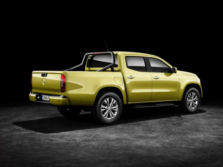 Mercedes-Benz X-Klasse – Exterieur, black-to-yellow metallic, Ausstattungslinie PROGRESSIVE, Side Bar und Styling Bar (Mercedes-Benz Zubehör) // Mercedes-Benz X-Class – Exterior, black-to-yellow metallic, design and equipment line PROGRESSIVE, side bar and styling bar (Mercedes-Benz accessories)
