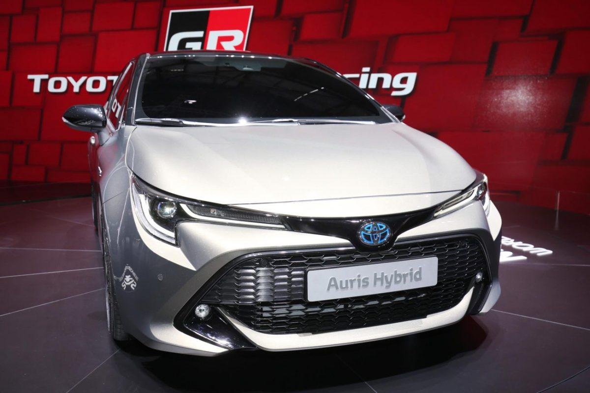 Salão de Genebra – Toyota Auris mostra como será o futuro Corolla no Brasil