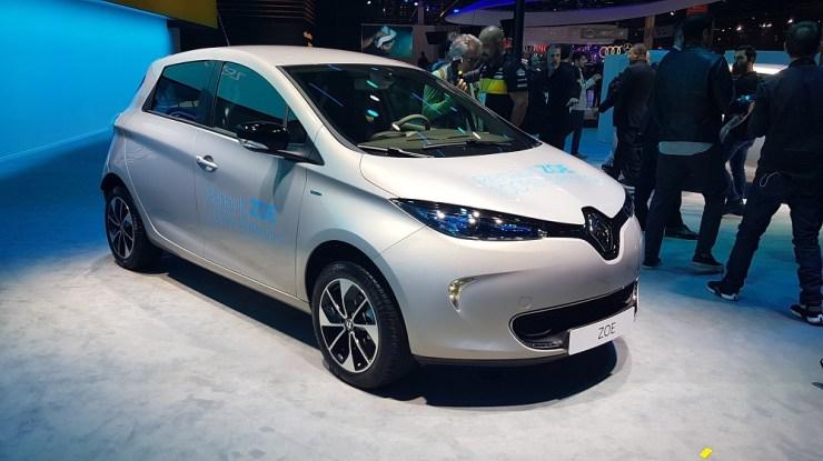Salão de São Paulo: Renault libera elétrico Zoe para pessoa física, mostra conceito futurista e 'esquece' picape Alaskan