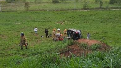 Photo of Condutor de carro com placa de Viçosa morre após capotar o veículo em Itaperuna