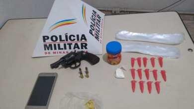 Foto de PM prende homem com arma, munições e drogas em Porto Firme