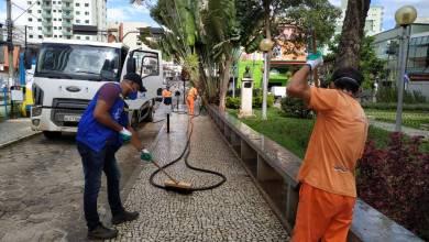 Photo of Espaços públicos de Viçosa são pulverizados com cloro em prevenção ao coronavírus; veja fotos