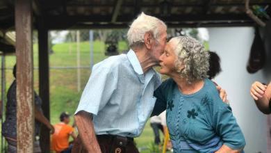 Foto de Casal morre de Covid-19 em MG às vésperas do aniversário de 71 anos de casamento