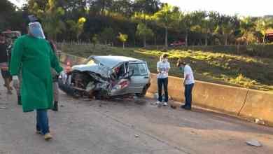 Foto de Condutor fica ferido após colisão de carro com caminhão em Guaraciaba