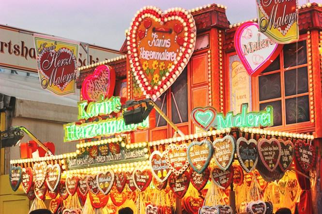 oktoberfest munich hearts
