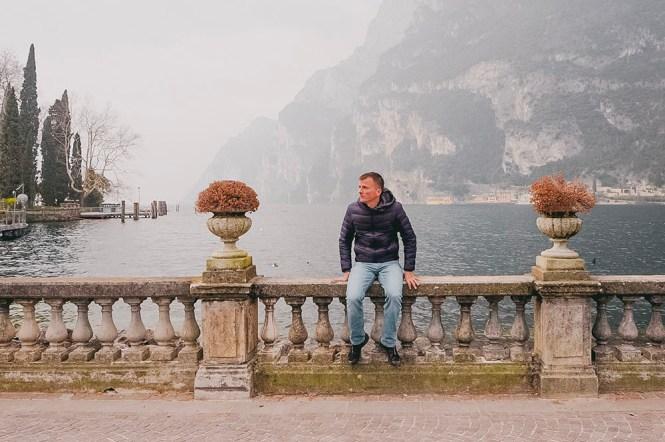Homem em Lago de Garda, Riva del Garda.