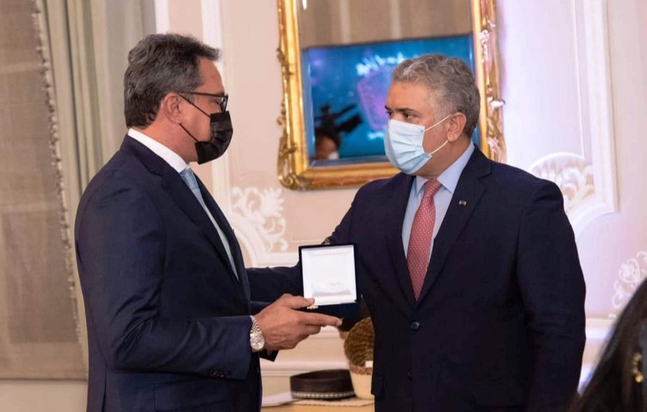 El-Presidente-de-la-República-Iván-Duque-Márquez-y-el-Ministerio-de-Cultura-otorgaron-a-la-Fundación-Festival-de-la-Leyenda-Vallenata-la-Orden-de-Boyacá-scaled