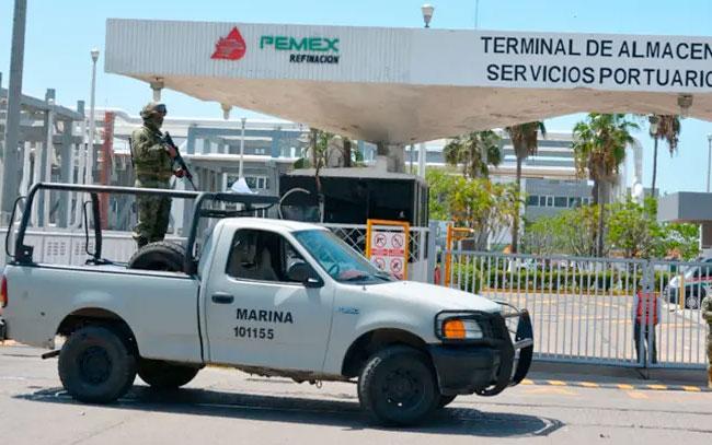 Militares retirados vigilarán instalaciones de Pemex