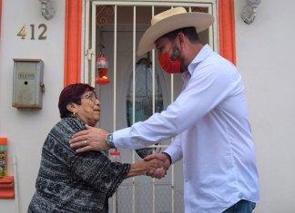 Invita Servando López Moreno a vacunarse contra Covid-19
