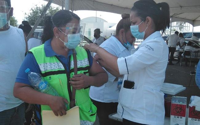 Promueve APTIV vacunación entre trabajadores