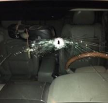 Así quedó la camioneta luego del atentado.