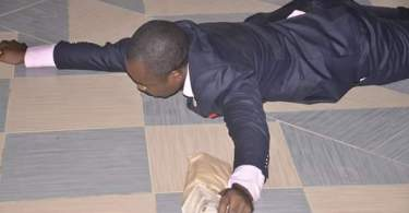 Apostle Suleman blessed one of his pastors N400k and Brand new SUV worth N5m