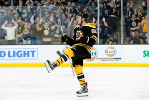 NHL: MAR 10 Hurricanes at Bruins