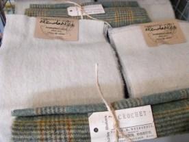 wool flow blue