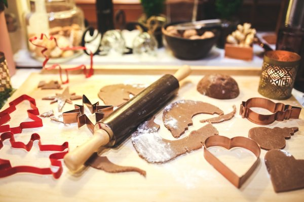 5 Fun And Easy To Make Homemade Christmas Decorations