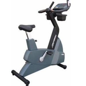 Life Fitness 9500HR Next Gen Upright Bike