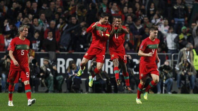 334890-fabio_coentrao-Nani-miguel_veloso-Cristiano_Ronaldo-Portugal-748x421