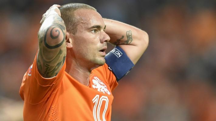 """Wesley Sneijder: """"Sticla de vodka devenise prietena mea!"""". Sursă foto: teahub.io"""