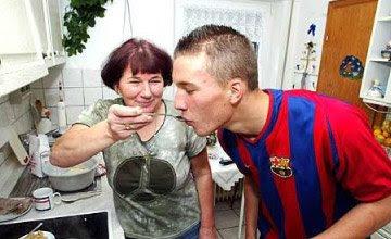 Lukas Podolski în tricoul Barcelonei. Sursă foto: barcelonablaugrana.com