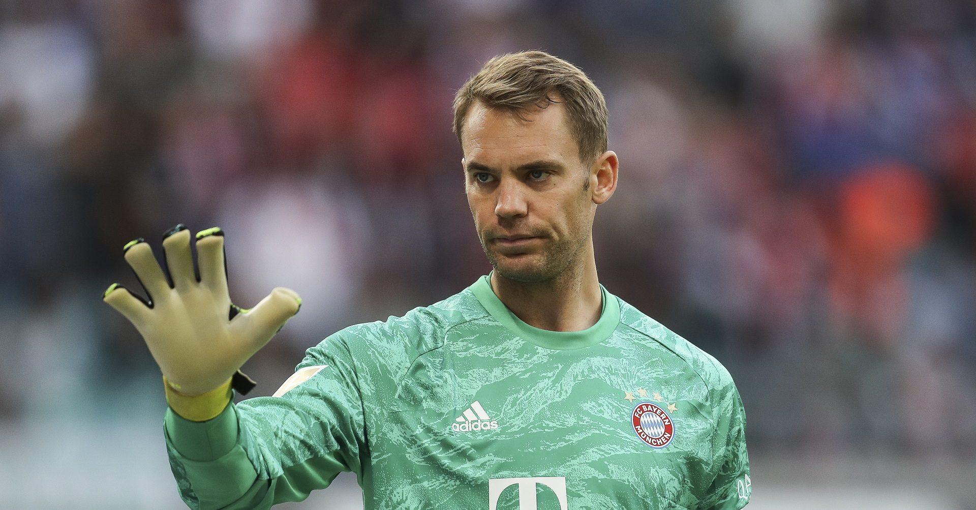 Neuer atrage atenția înainte de Lyon - Bayern Munchen . Sursă foto: goal.com