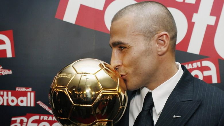 Fabio Cannavaro câștigând Balonul de Aur. Sursă foto: eurosport.com