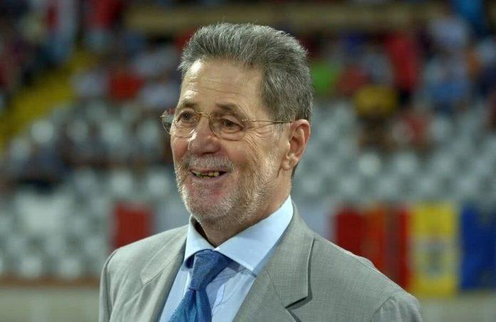 Cornel Dinu râde de apărarea FCSB-ului. Sursă foto: gsp.ro