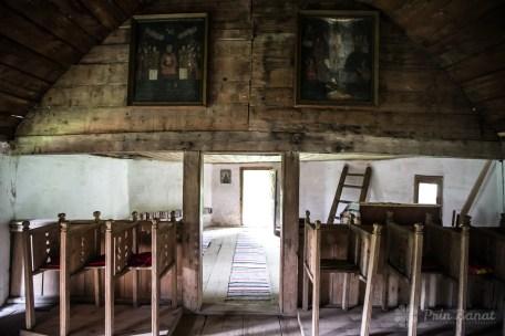 Biserica de lemn din Crivina de Sus - icoane cu pictură originală de la 1800