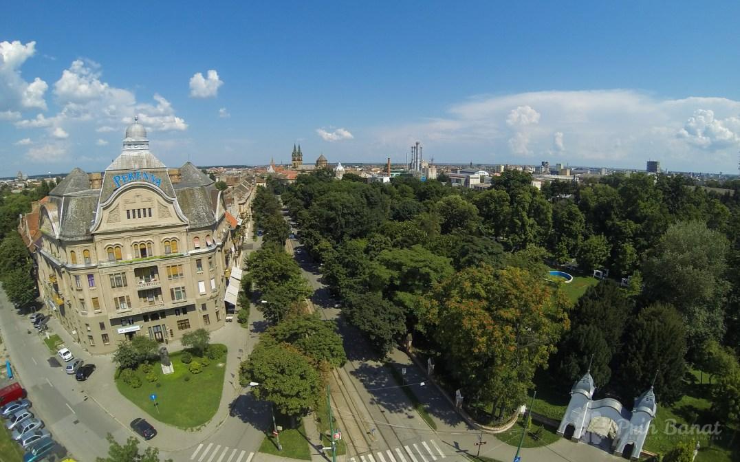 Palatul Neptun şi Parcul Regina Maria din Timişoara