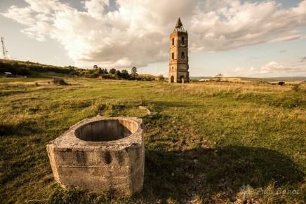 Der Turm auf dem Hügel aus Gradinari