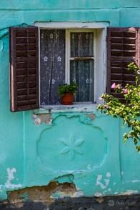 The facade of a house in Caraşova