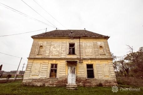Castelul Mocioni din Vlaicovăţ. Copyright: Prin Banat 2014-2015. TOATE DREPTURILE REZERVATE.