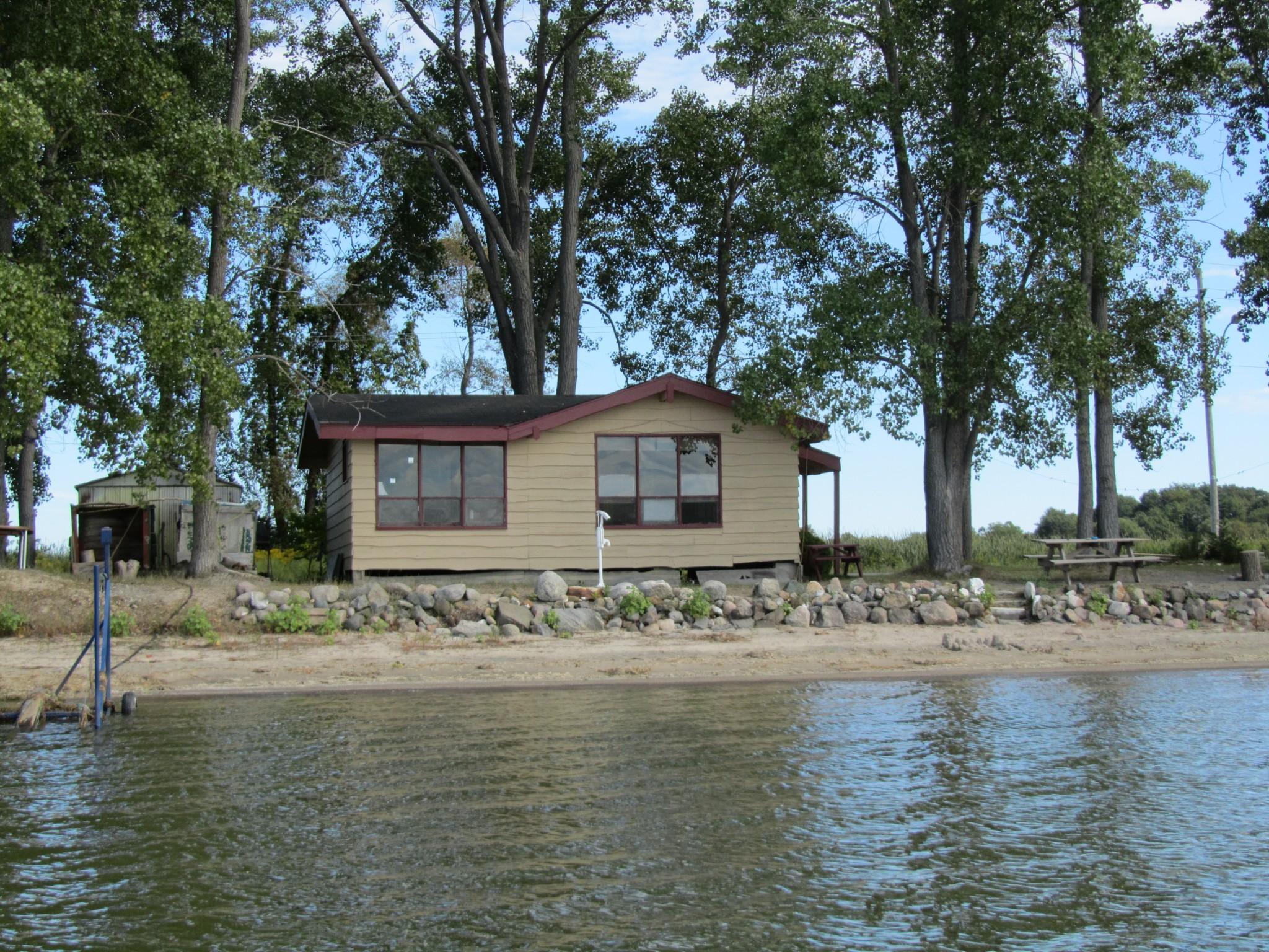 The Sandbanks Beach Cottage