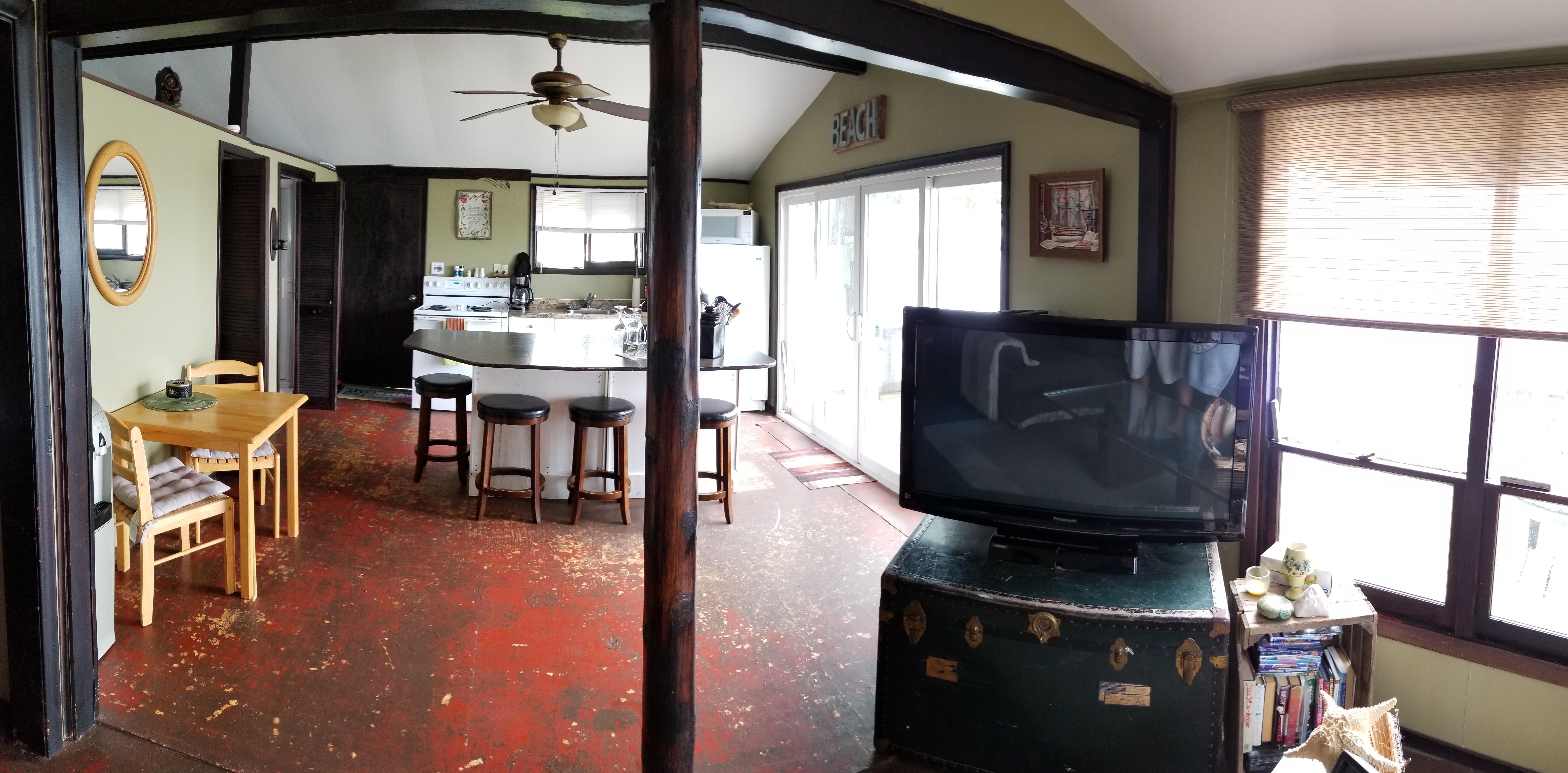 The Sandbanks Beach Cottage - Kitchen
