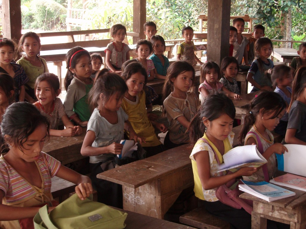 Children learning in Laos | teach and travel