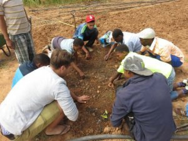 volunteers ensure community ownership | voluntourism