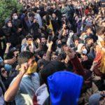 Uticaj sankcija: Iran predlaže zemljama razmenu nafte za robu, dok se protesti gomilaju!
