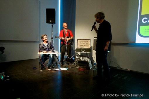 Reverend Beat-Man & Bobby Pantichrist Butler @ «Die Not hat ein Ende – The Swiss Art of Rock» Buchvernissage (Museum für Kommunikation, Bern) © 06.05.2015 Patrick Principe