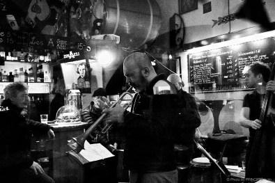 Sous Les Étoiles – Martin Dahanukar New Quartet @ Les Amis Martin Dahanukar, trumpet - Michael Haudenschild, keys - Philipp Moll, double-bass - Willy Kotoun, percussion © 07.01.2019 Patrick Principe