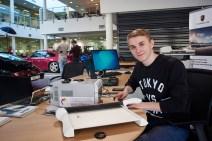 Изготовление фотомагнитов для Porsche