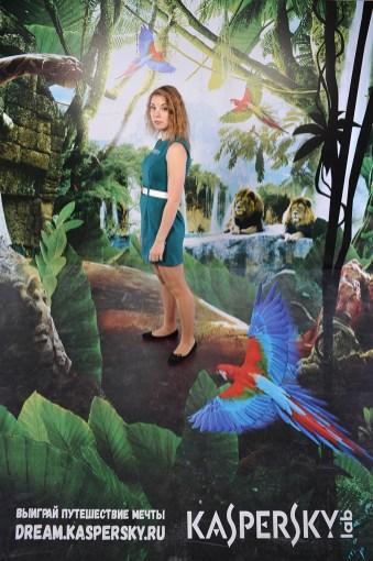 Съёмка на фоне 3D пресс волл