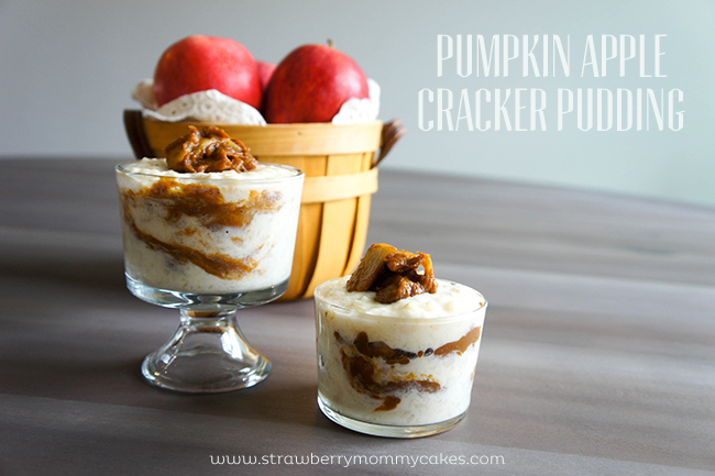 Pumpkin Apple Cracker Pudding on www.strawberrymommycakes.com #pumpkin #fallflavors #cinnamonapple #crackerpudding