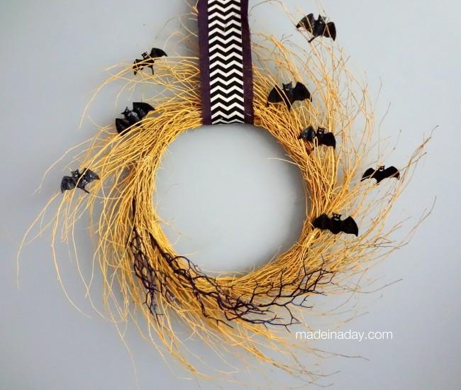 Golden Halloween Wreath #FridayFinds
