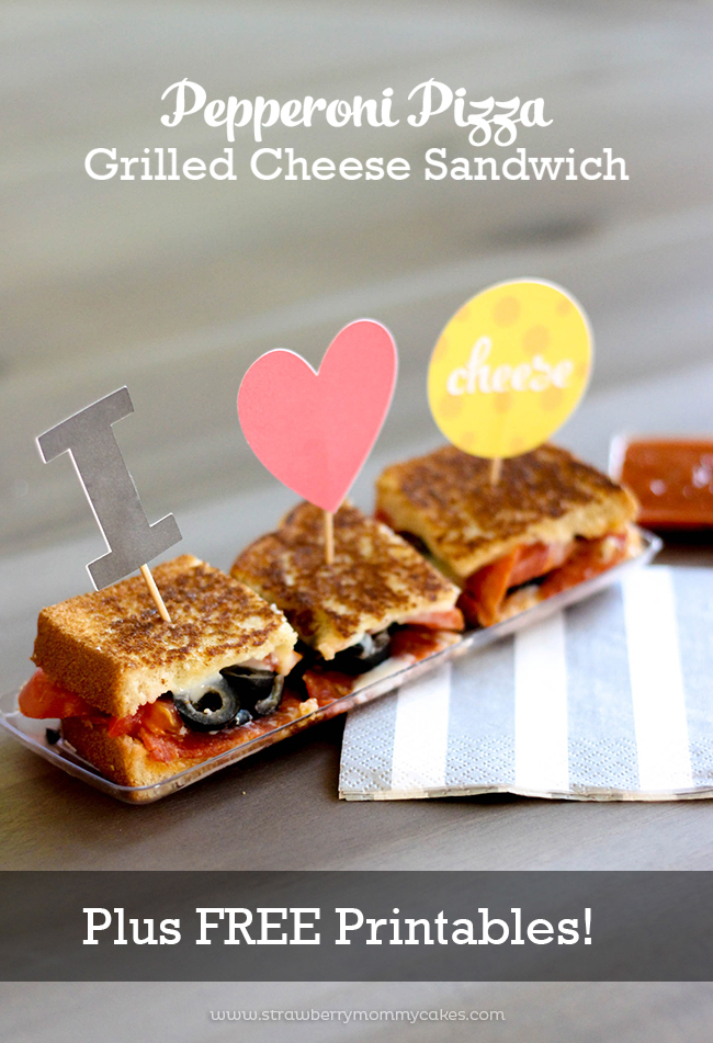 The easiest way to make a pizza EVER! Pepperoni Pizza Grilled Cheese Sandwich