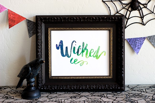Download a FREE Wicked Halloween Wall Art Printable for your beautiful Halloween decor!