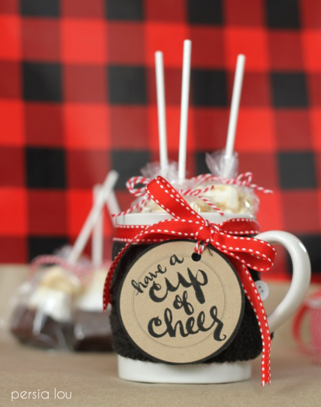 25 Printables and Recipes for the Perfect Mug Cake Gift on strawberrymommycakes.com- perfect for the holidays!
