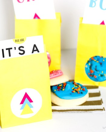 These FREE Printable Gender Reveal Party Favors are so cute for a gender reveal baby shower! Plus, they're super simple since you buy the sugar cookies at the store!