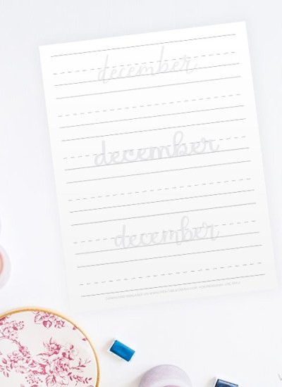 Get 30 DECEMBER Hand Lettering Prompts plus a FREE practice sheet in this blog series to improve your hand lettering skills!