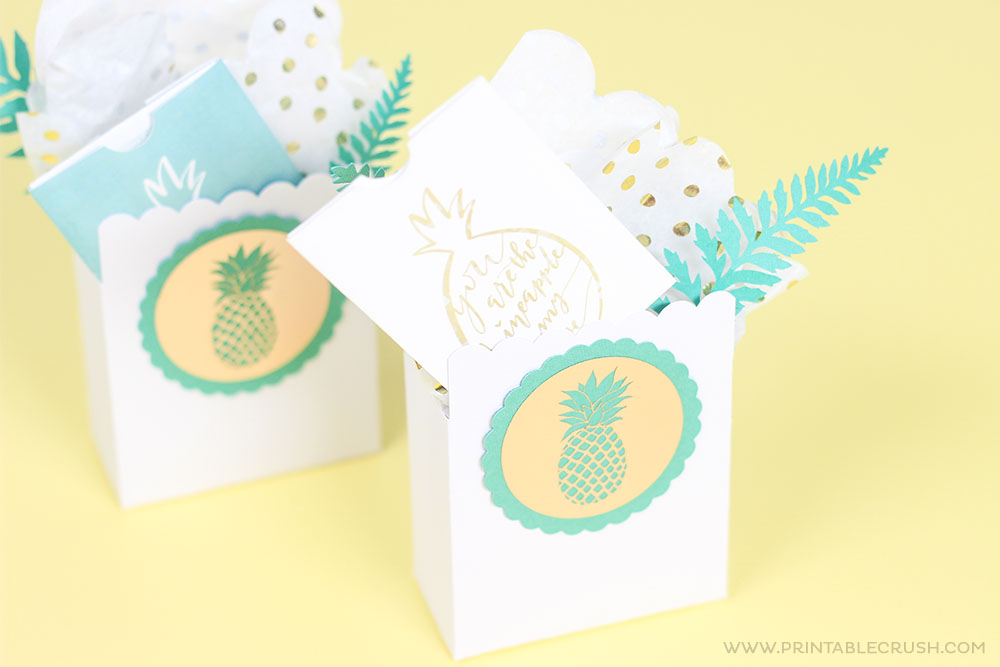 These are the cutest pineapple gift card holders!
